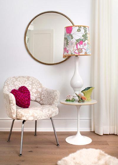 コンテンポラリー 寝室 by Stephani Buchman Photography