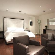 Modern Bedroom by BR111 Hardwood Flooring