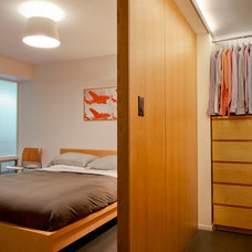 Midcentury Bedroom by SHED Architecture & Design
