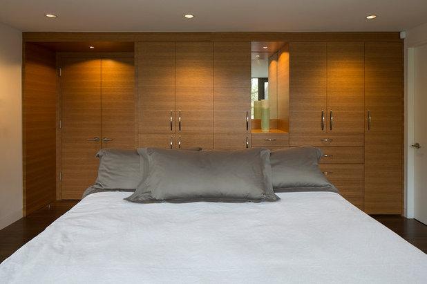 Midcentury Bedroom by David Henig, Architect