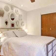 Midcentury Bedroom by William Robbins/ GR&T Group of HER Realtors