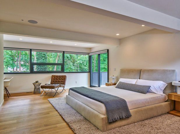Great Midcentury Bedroom by MATHISON MATHISON ARCHITECTS