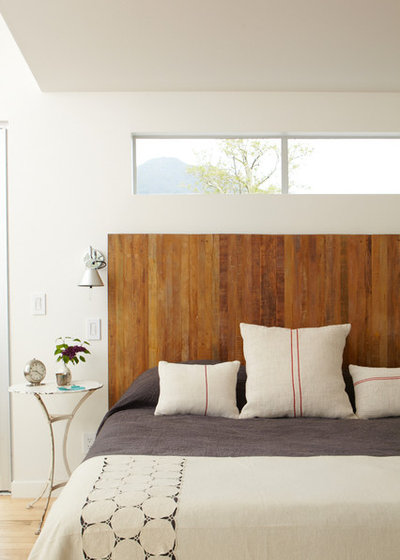 Contemporary bedroom by dehn bloom design