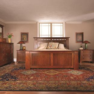 Bedroom - craftsman bedroom idea in New York