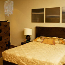 Asian Bedroom by RANERE DESIGN GROUP