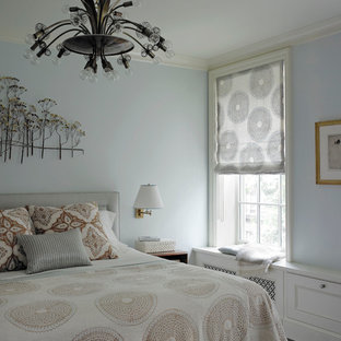 Foto di una camera da letto moderna con pareti blu