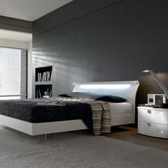 modern bedroom by Imagine Living
