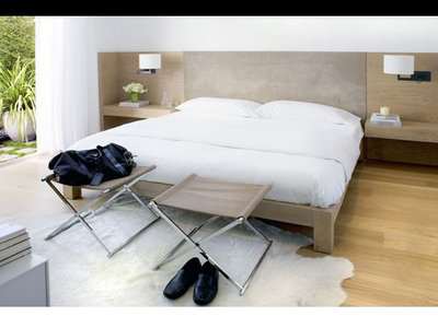 At the foot of the bed seats storage and space savers for Usona bed