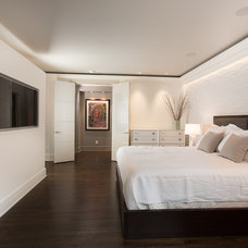 Contemporary Bedroom by MOSAIC Group [Architects and Remodelers]