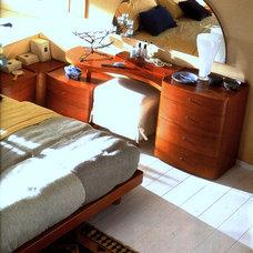 Modern Bedroom by Moshir Furniture