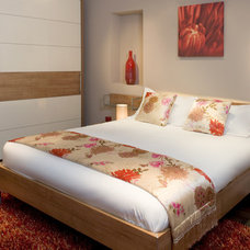 Modern Bedroom by Optimise Design