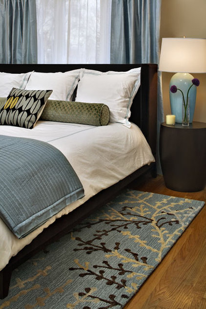 Modern bedroom modern bedroom for Blue and taupe bedroom ideas