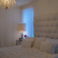Modern Bedroom by Sonia Daigle