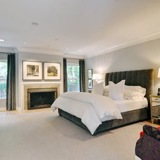 Modern Bedroom by Braswell Homes Inc