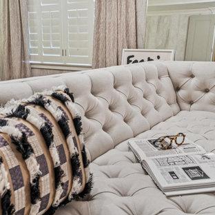 Immagine di una grande camera matrimoniale shabby-chic style