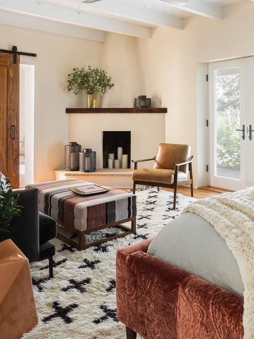 Camera da letto moderna con camino ad angolo foto e idee per arredare - Camera da letto con camino ...
