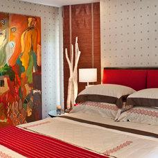 Modern Bedroom by Harte Brownlee & Associates Interior Design