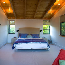 Modern Bedroom by Allwood Construction Inc