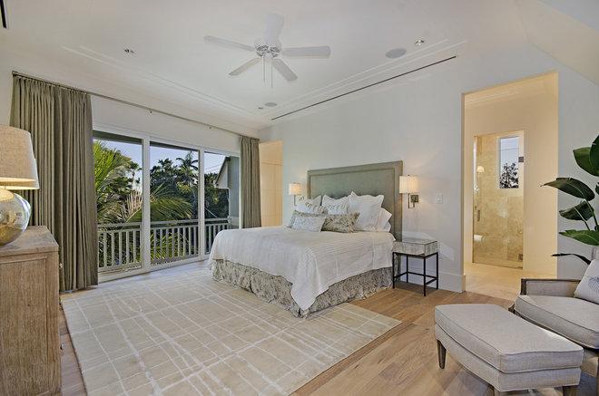 Contemporary Bedroom by Laura Hay DECOR & DESIGN Inc.