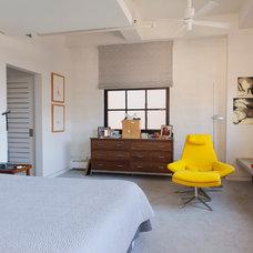 Modern Bedroom by Urban Rebuilders