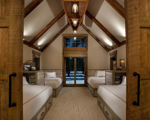 Rustikale Gästezimmer Garage. Detached Garage. - Ideen & Design ...