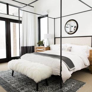 Idee per una camera matrimoniale chic con pareti bianche