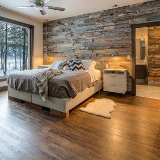 シアトルの中くらいのコンテンポラリースタイルのおしゃれな主寝室 (ベージュの壁、クッションフロア、暖炉なし) のレイアウト