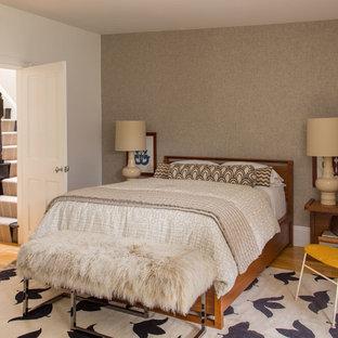 На фото: спальня в стиле современная классика с белыми стенами, паркетным полом среднего тона и оранжевым полом без камина с