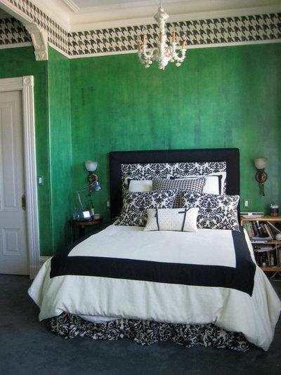 Eclectic Bedroom by Plein Heir