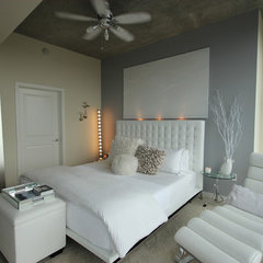 modern bedroom by MN Design by Mauricio Nava