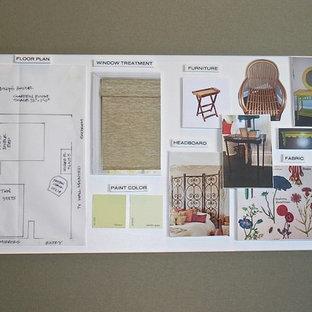 Modelo de habitación de invitados asiática, pequeña, sin chimenea, con paredes verdes y suelo de bambú