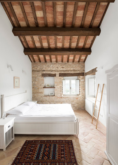 In Campagna Camera da Letto by ROY DAVID ARCHITECTURE