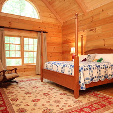 Rustic Bedroom by Summit Custom Homes