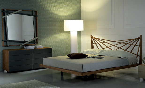 Contemporary Bedroom by RoomService 360