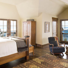 Traditional Bedroom by Bear Mountain Builders