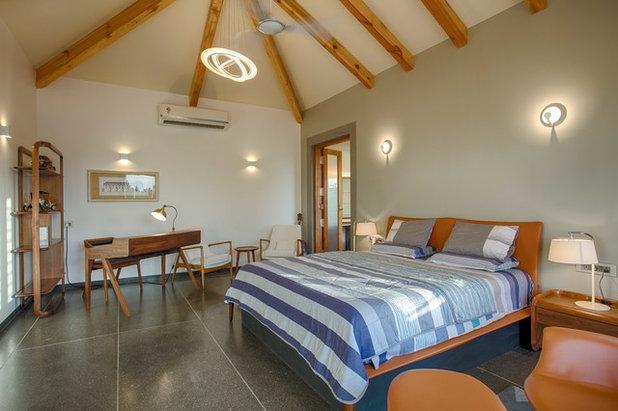 Contemporary Bedroom by KSUP STUDIO