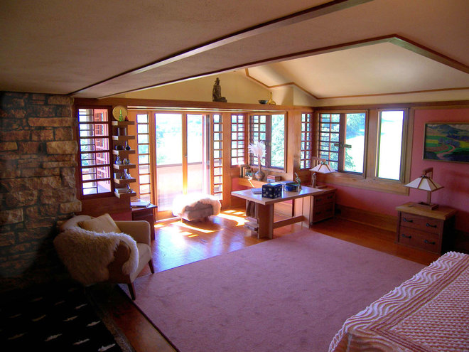 Bedroom by Taliesin Preservation, Inc.