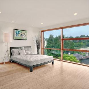 Diseño de dormitorio moderno con suelo de bambú