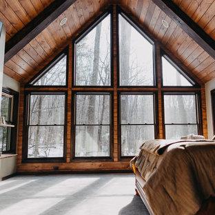 Diseño de dormitorio madera, rústico, grande, con moqueta y suelo verde