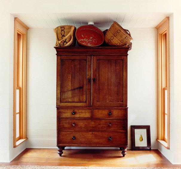 Southwestern Bedroom by Bosworth Hoedemaker