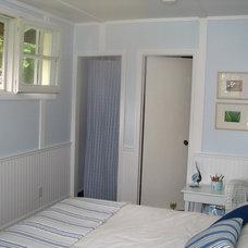 Eclectic Bedroom Muskoka Cottage