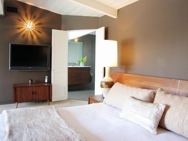 Midcentury Bedroom by Tara Bussema - Neat Organization and Design