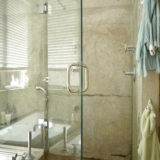 Ejemplo de dormitorio principal, bohemio, de tamaño medio, con paredes blancas y suelo de baldosas de terracota