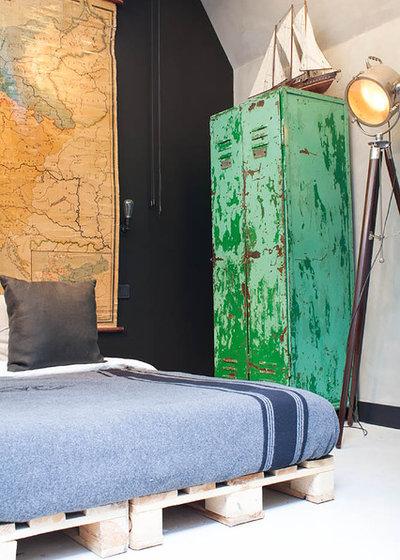 Industrielt Soveværelse by Louise de Miranda