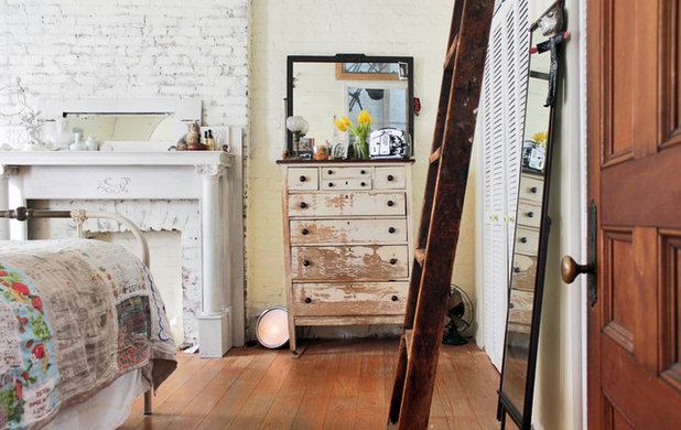 Shabby-chic Style Bedroom by Laura Garner