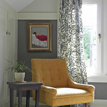 curtains and window trim