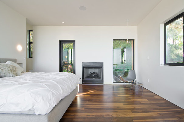 Modern Bedroom by Lucy Call