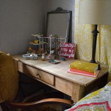 Хороший вопрос: Что делать, когда для тумбочки у кровати нет места?