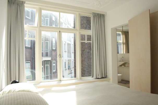 Modern Bedroom by Holly Marder