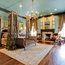 Traditional Bedroom by Rosewood Custom Builders